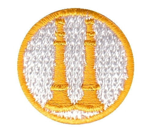 """Captain, 2 Parallel Bugles, Collar Insignia, 100% Embroidery, Gold/White, 1"""" Circle"""