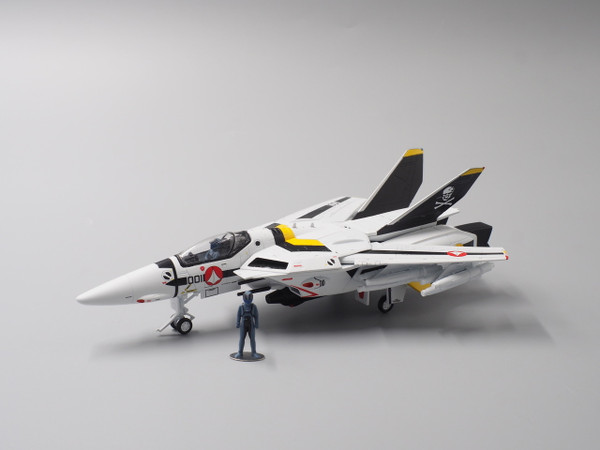 Macross Calibre Wings 1:72 VF-1S Valkyrie Fighter