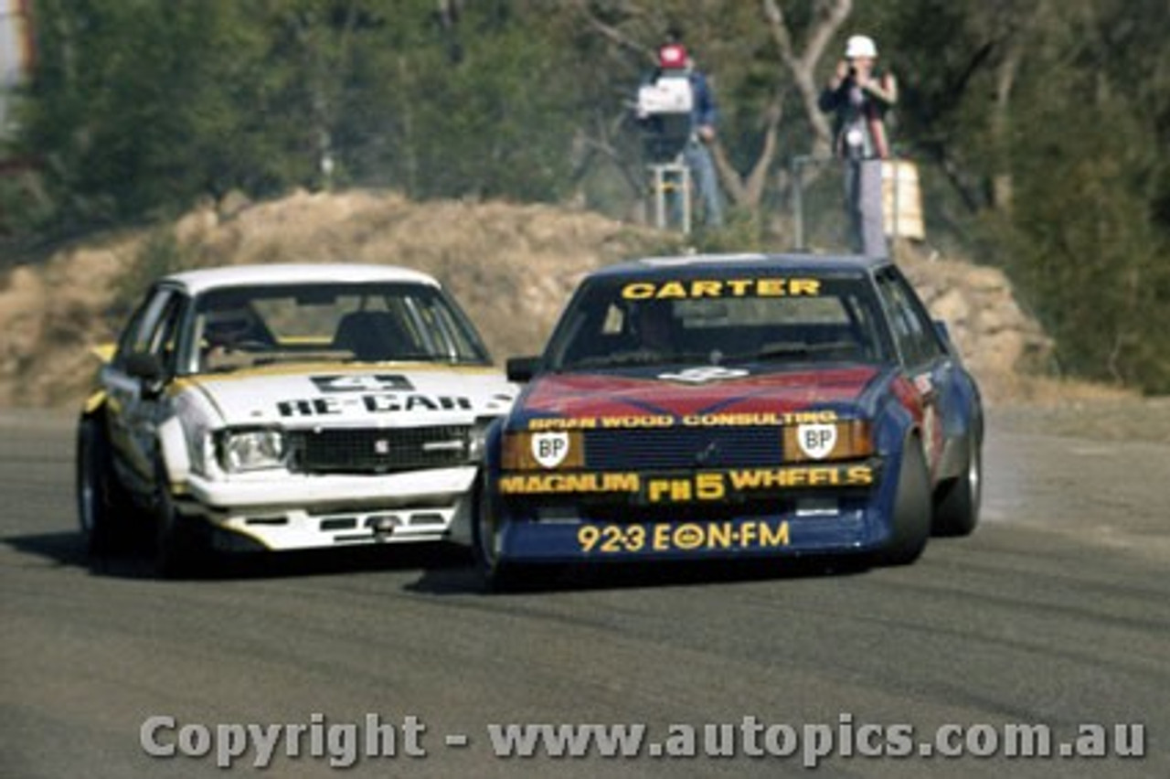81045  - Murray Carter Ford Falcon XD & Alan Browne  Commodore  - Amaroo 1981 - Photographer Lance Ruting
