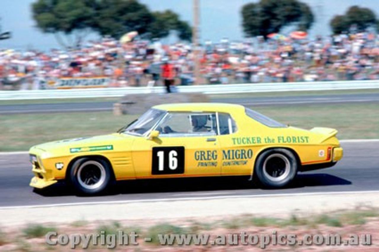 81050 - P. Finch Holden Monaro - Calder 1981 - Photographer Peter D Abbs