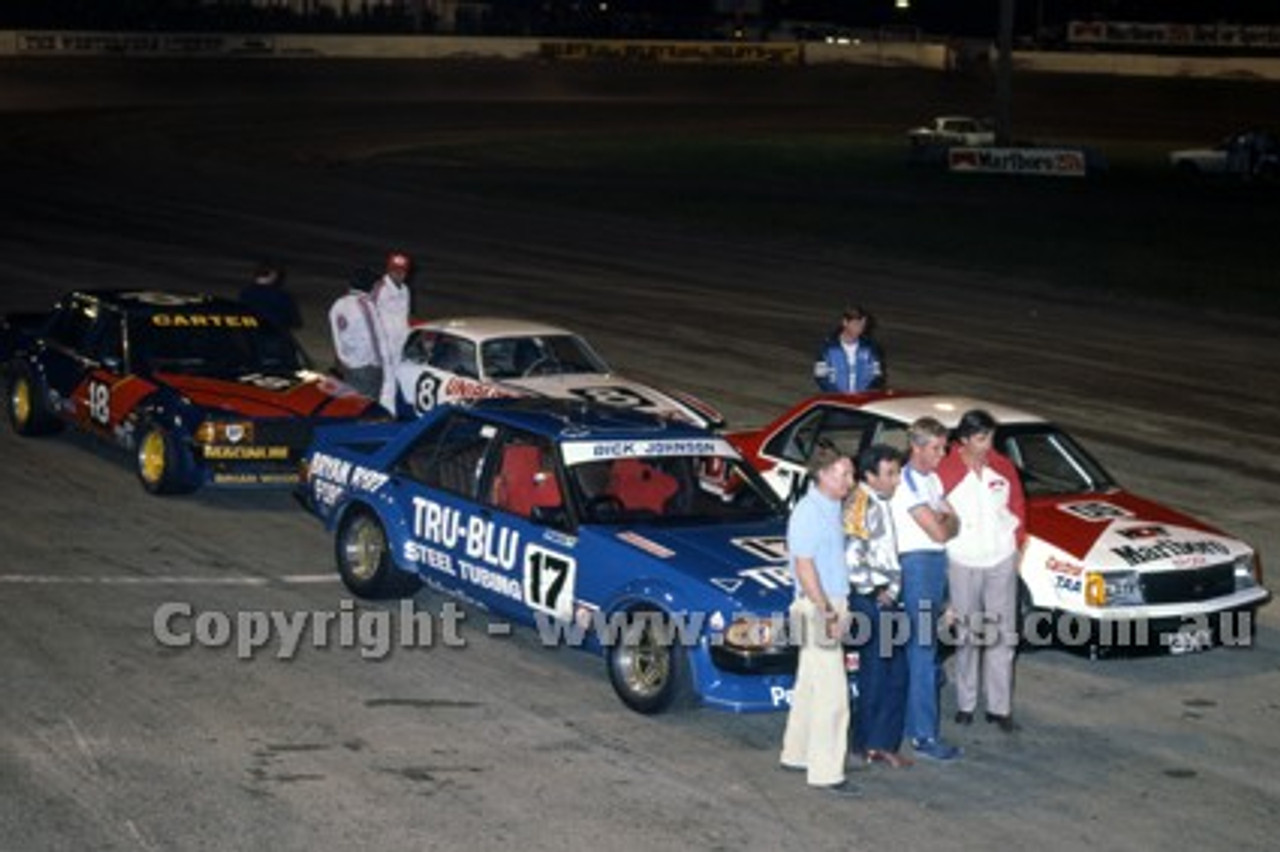 81058 - Peter Brock, Commodore / Dick Johnson, Falcon / Murray Carter, Falcon / J. McCormack, Jaguar - Liverpool Speedway 23rd March 1981