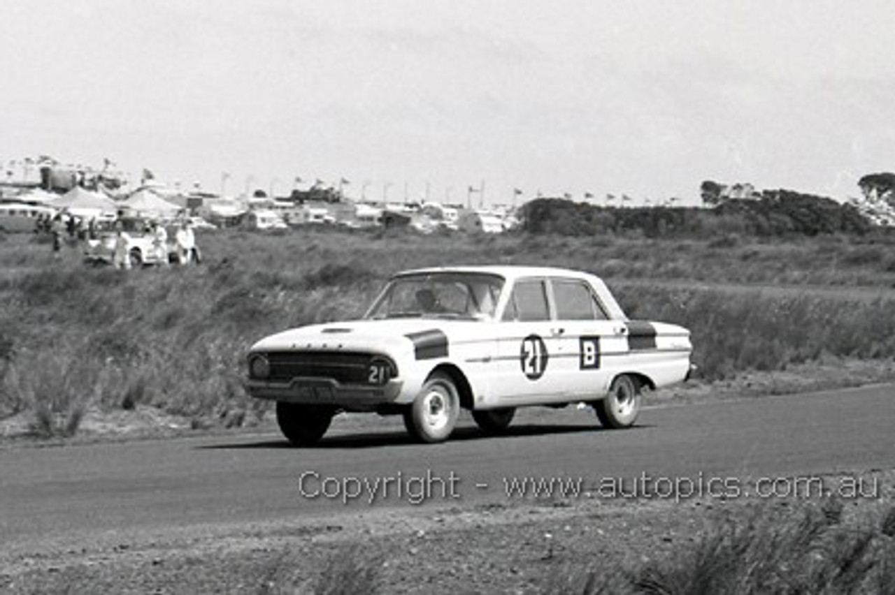 62750 - Harry Firth and Bob Jane - Ford Falcon XL - Winners - Armstrong 500 - Phillip Island 1962 - Photographer Peter D'Abbs