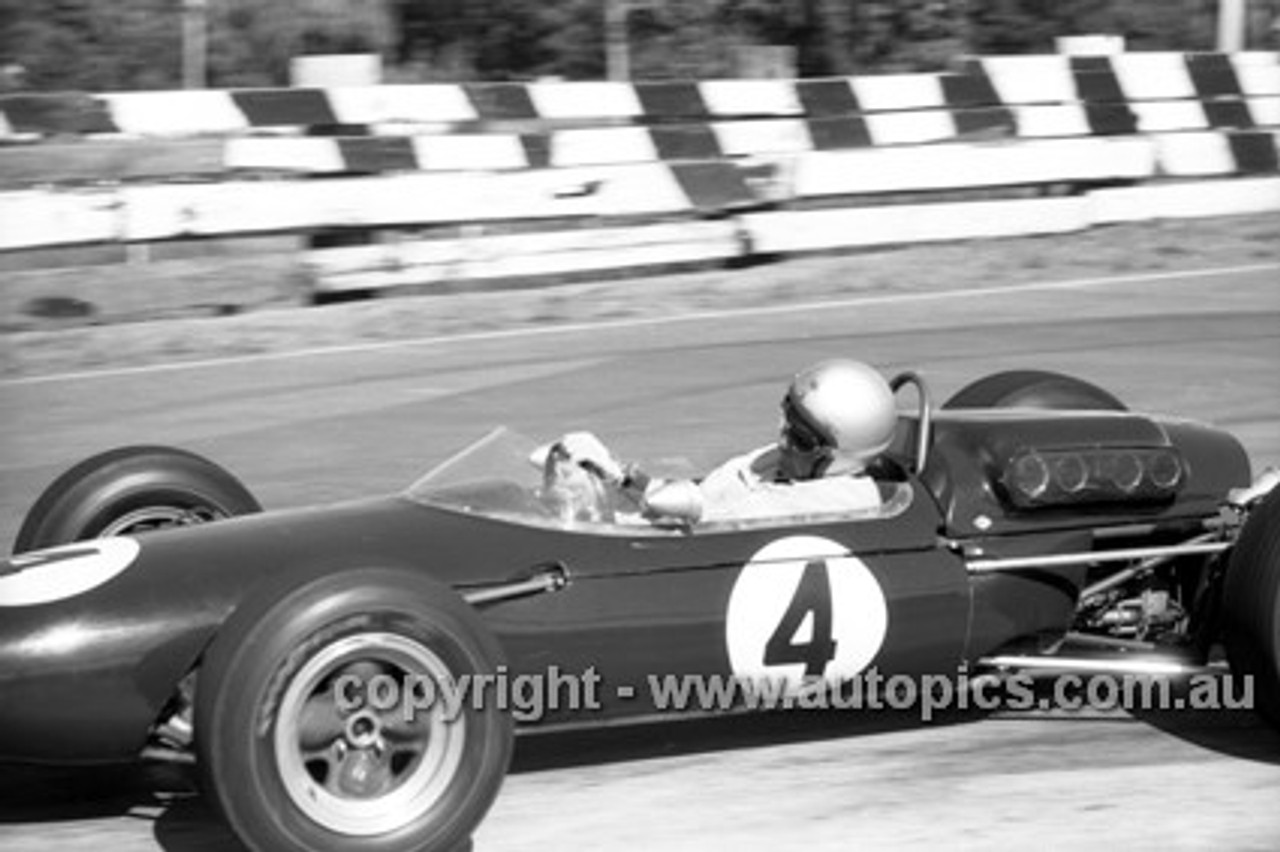 65546 - Jack Brabham,  Brabham - Sandown Tasman Series   21st February 1965  - Photographer Peter D'Abbs