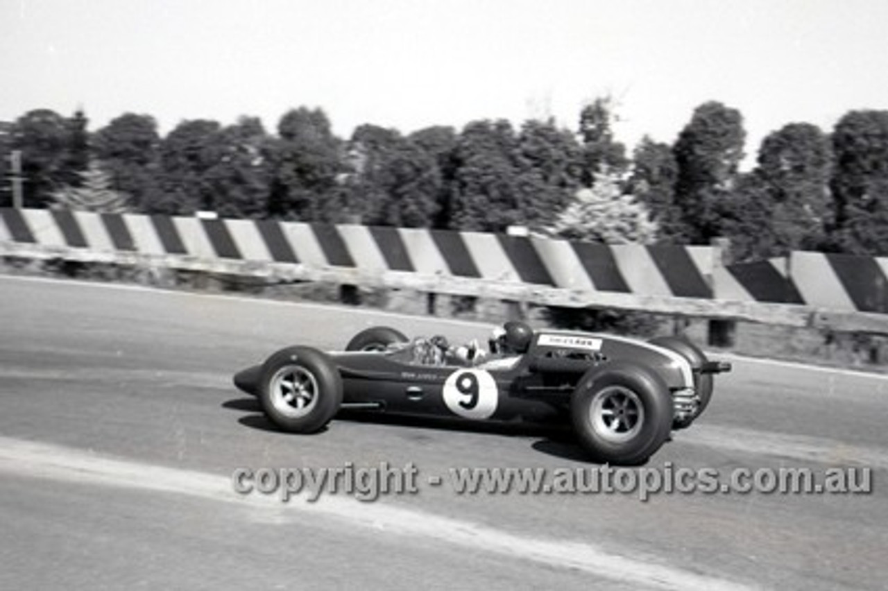 65556 - Jim Clark, Lotus 32 Climax - Sandown Tasman Series   21st February 1965  - Photographer Peter D'Abbs