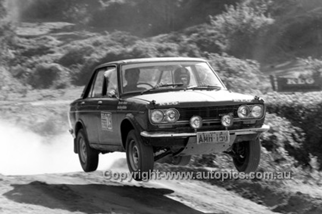 72925 - Datsun 1600 - KLG Rally 1972 - Photographer Lance J Ruting