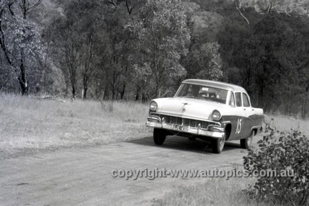 57110 - Len Lukey, Ford Customline - Rob Roy - 1957 - Photographer Peter D'Abbs