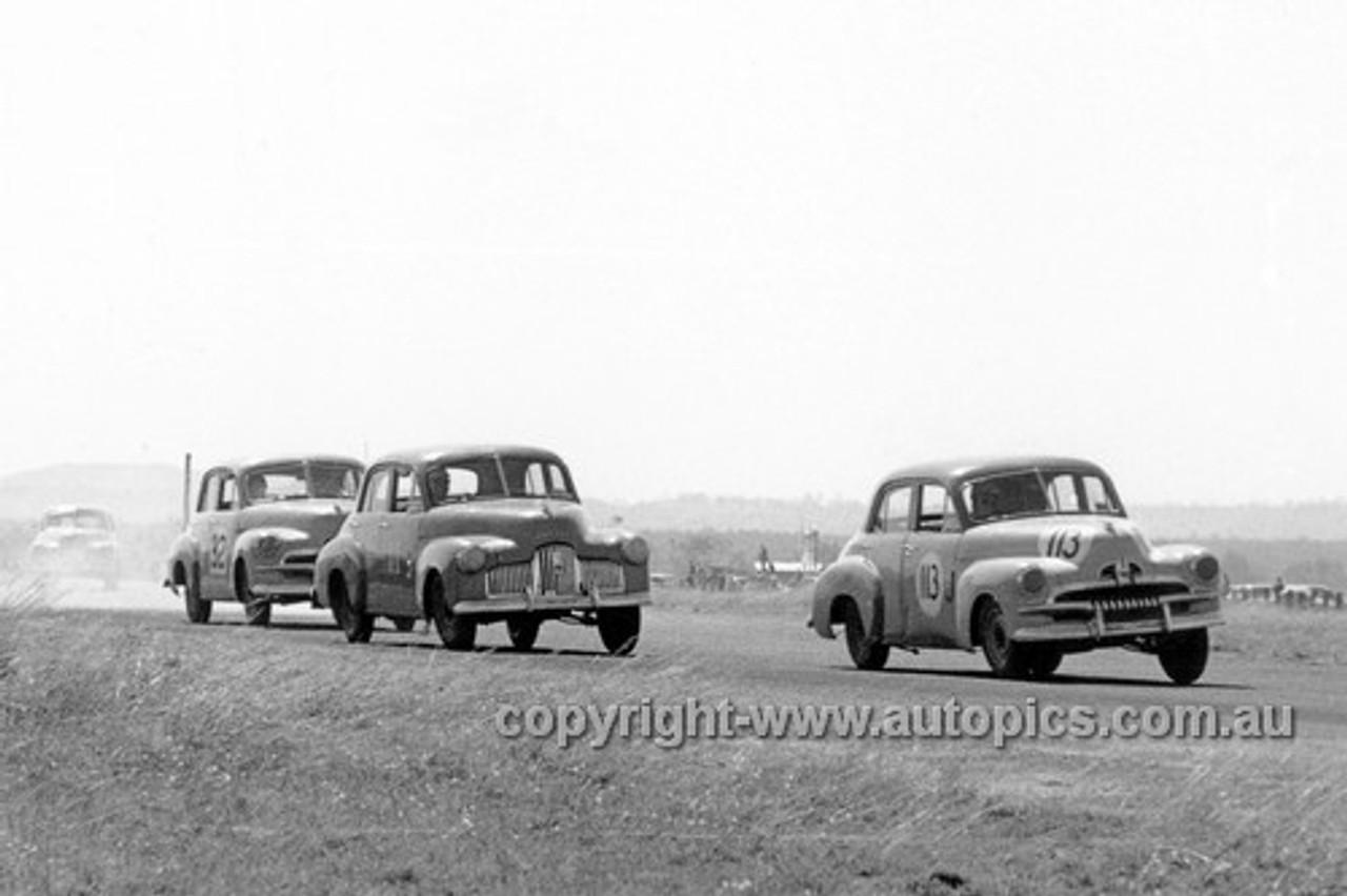 61014 - #113 Bob Holden, #32 Cecil Keid, Holden FJ - ATCC Lowood 1961