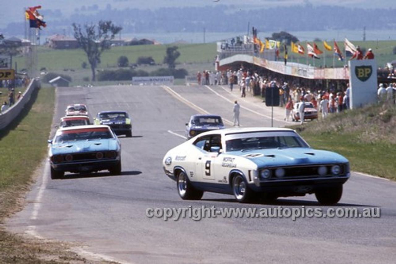 73778  -  Allan Moffat / Ian Geoghegan, Fred Gibson / Barry Seton & John French / Bob Skelton Ford Falcon XA GT & Brock / Chivas Torana LJ XU1- Hardie Ferodo 1000  Bathurst 1973