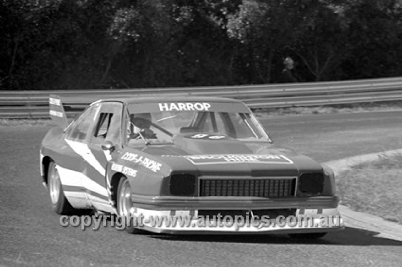 80076  -  Ron Harrop, Torana V8 - Sandown 13th April 1980 - Photographer Darren House