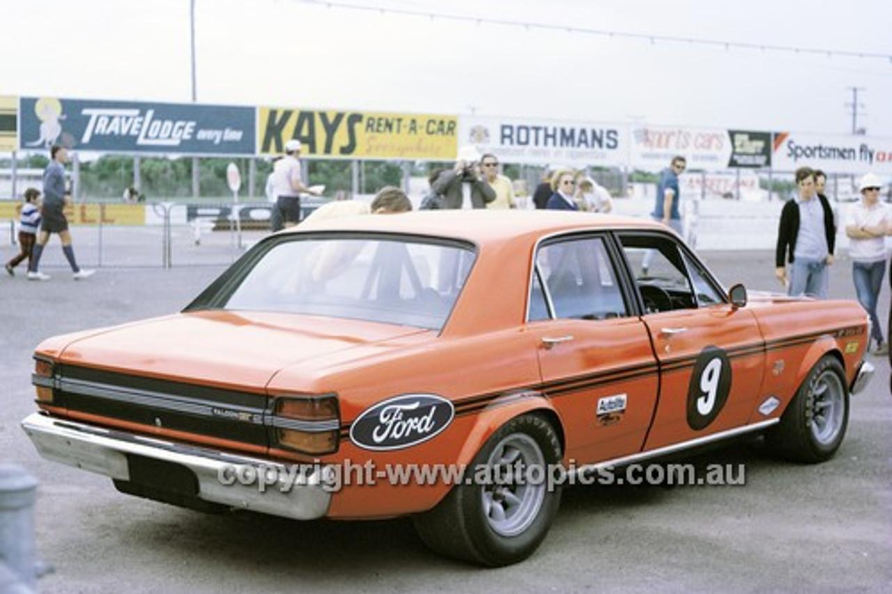 710011 - Allan Moffat Super Falcon XY GTHO - Surfers Paradise 1971