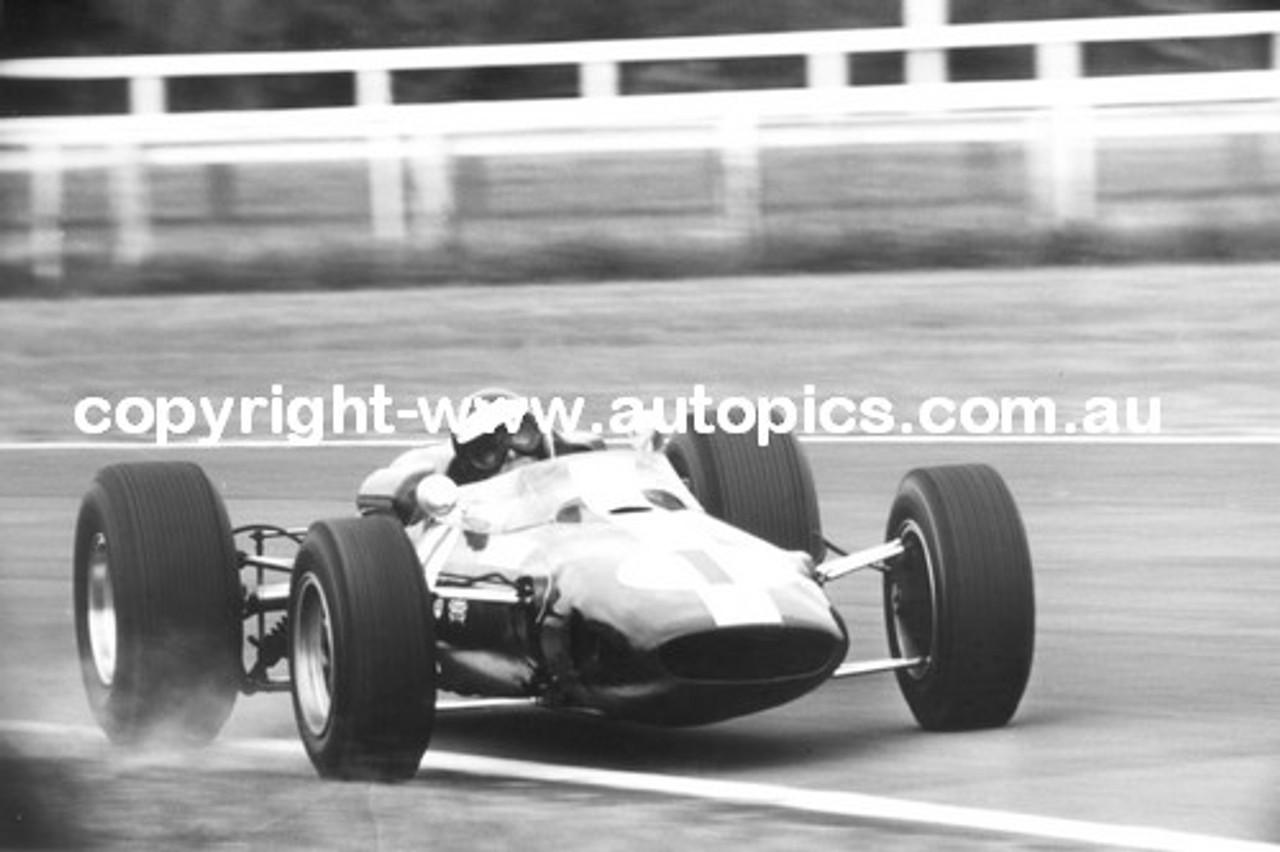 Jim Clark  -  Lotus 39 Climax - 1966 Tasman Series - Warwick Farm