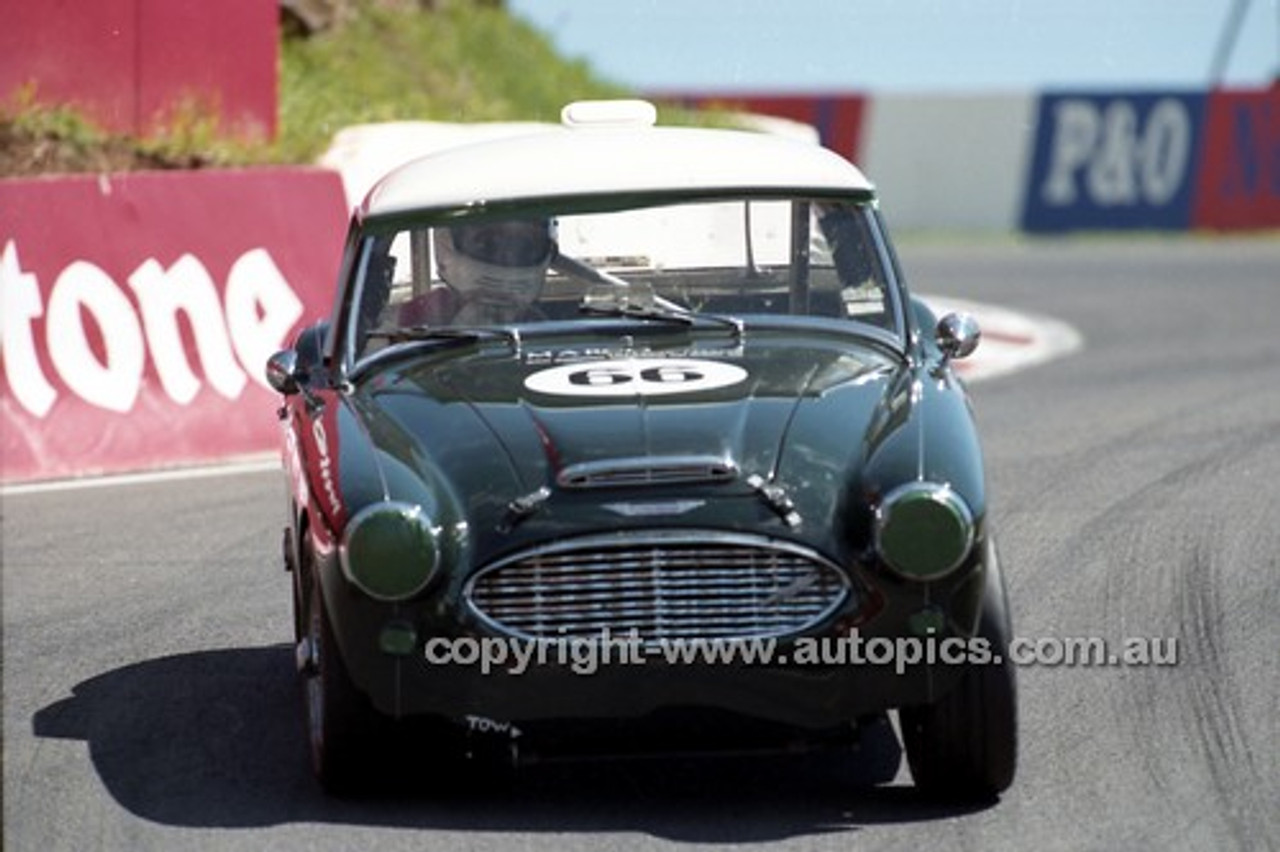 98223 - Bill Ingham, Austin Healey 100/6 - Donald Healey International Tribute - Bathurst 1998 - Photographer Marshall Cass