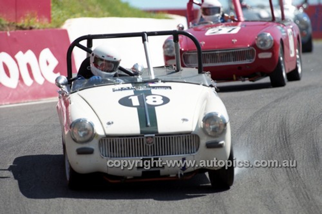 98219 - Robert Rochlin, Austin Healey Sprite - Donald Healey International Tribute - Bathurst 1998 - Photographer Marshall Cass