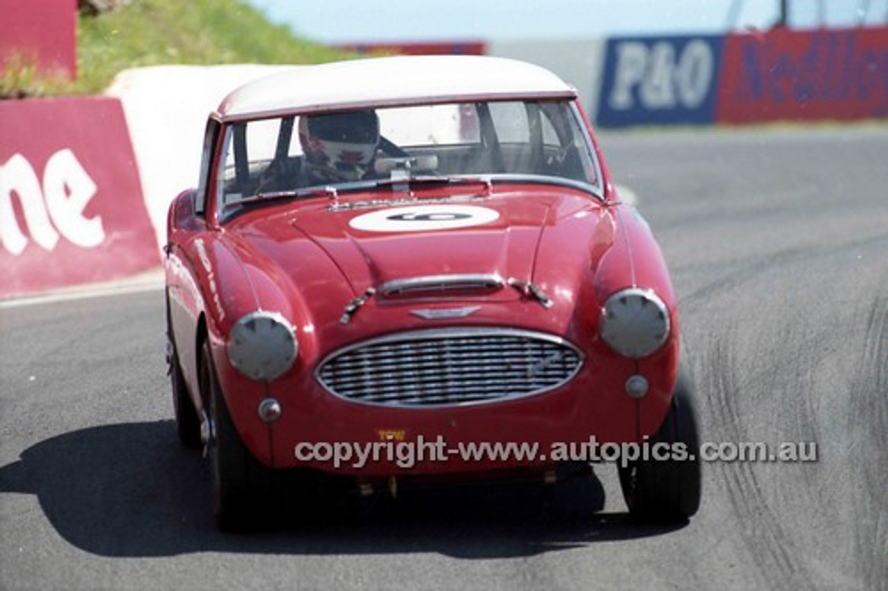 98218 - Robert Foster,  Austin Healey MK1 3000 - Donald Healey International Tribute - Bathurst 1998 - Photographer Marshall Cass