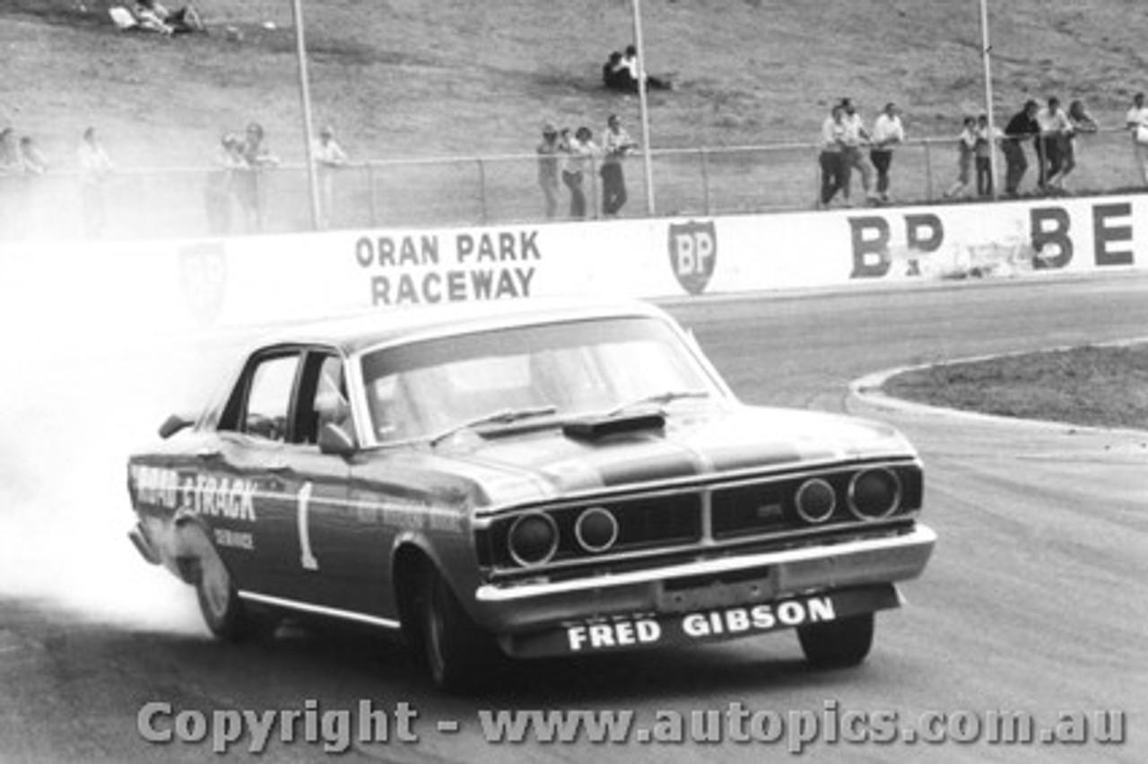 71011  -  F.Gibson - Ford Falcon GTHO Phase 3 -  Smokin  the tyres - Oran Park 1971