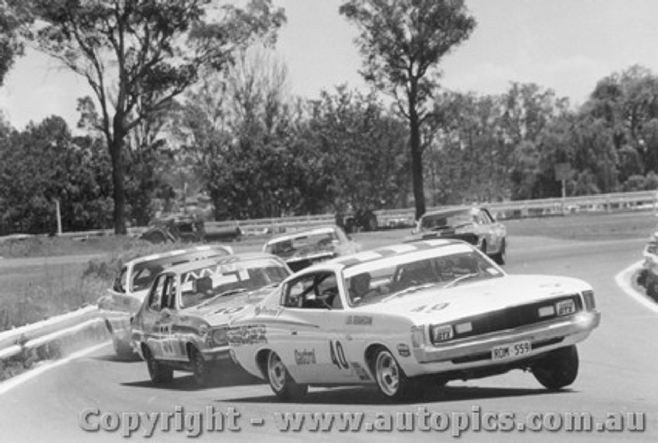 71018  -  Leo Geoghegan leads Holland and Chivas  -  Charger / XU1 - Warwick Farm 1971