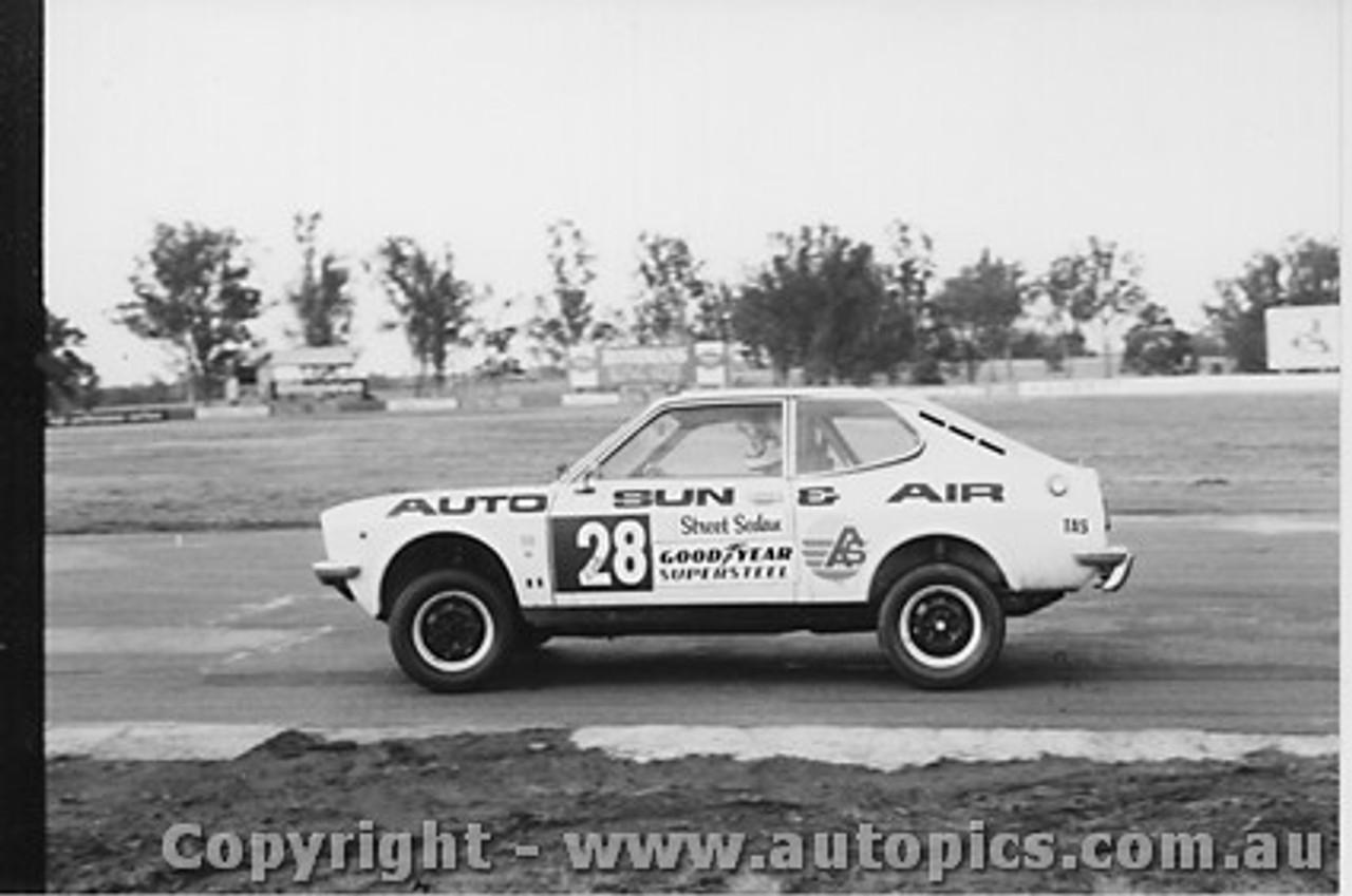 81004  -  Rod Barrett  -  Fiat 128 - Oran Park 1981