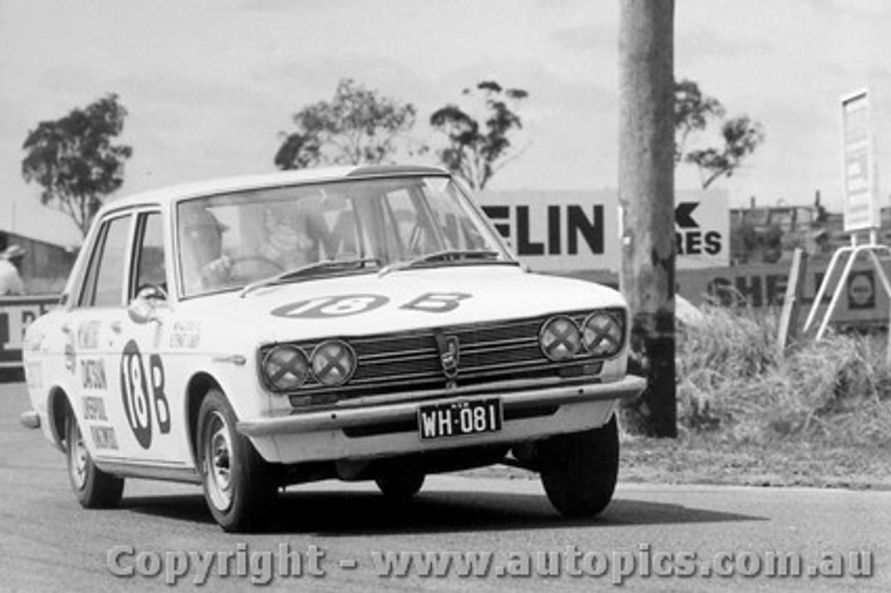 69708  -  B. Stewart / G. Garth  -  Bathurst 1969 - Class B Winner - Datsun 1600