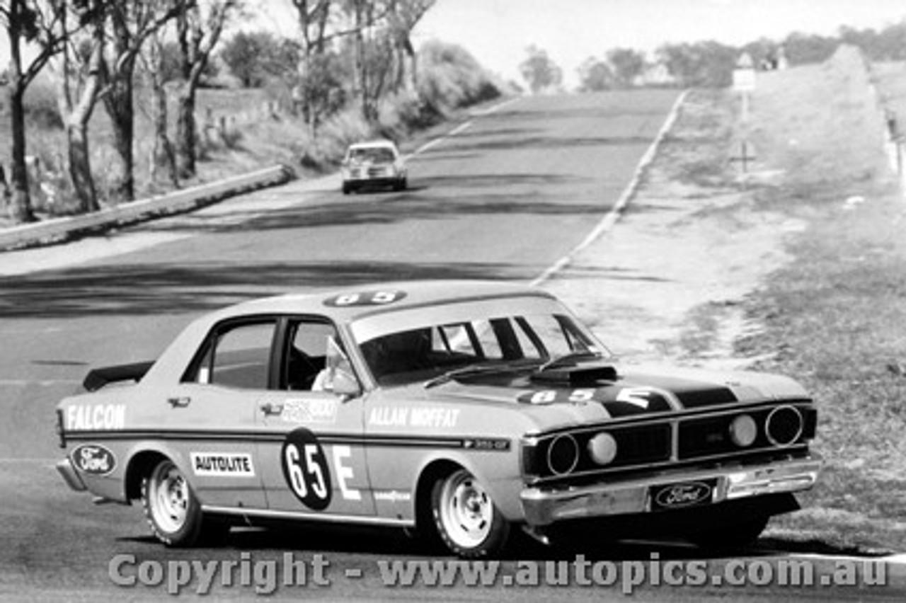 71701  -  Allan Moffat  -  Bathurst 1971 -1st Outright & Class E winner - Ford Falcon GTHO Phase 3