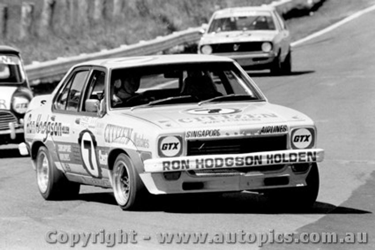 75704  -  R. Morris / F. Gardner  -  Bathurst 1975  2nd Outright  Torana L34 SLR5000