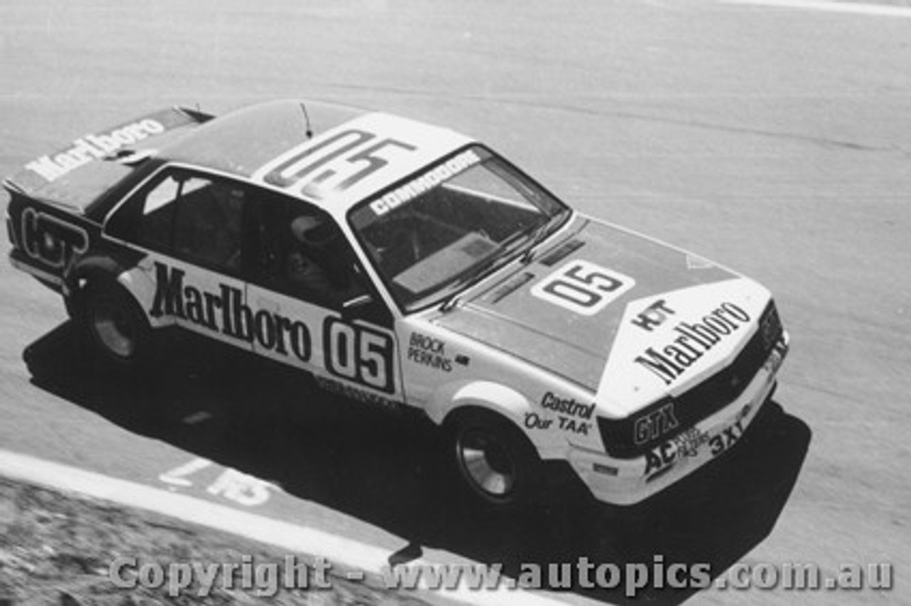 82701  -  Brock / Perkins    Bathurst 1982  1st Outright  Holden Commodore