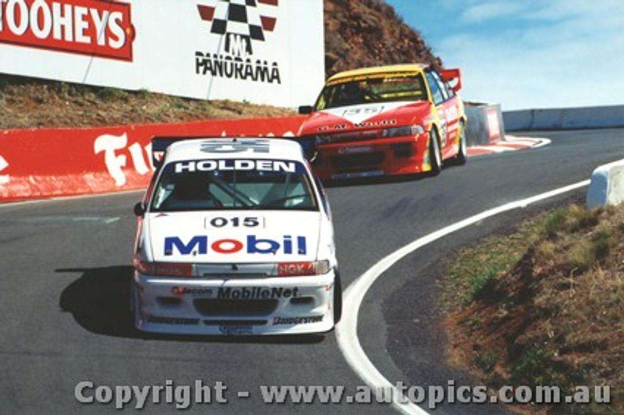 94704  -  B. Jones / R. Rydell / C. Lowndes   Bathurst 1994  Holden Commodore VP