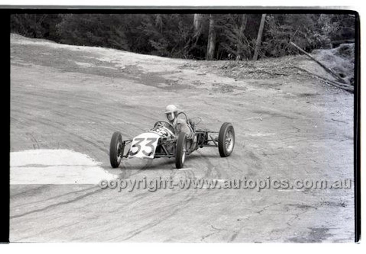 Rob Roy HillClimb 10th August 1958 - Photographer Peter D'Abbs - Code RR1658-119