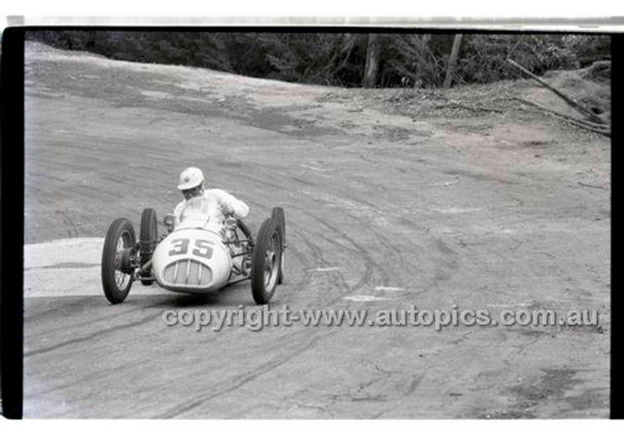 Rob Roy HillClimb 10th August 1958 - Photographer Peter D'Abbs - Code RR1658-120