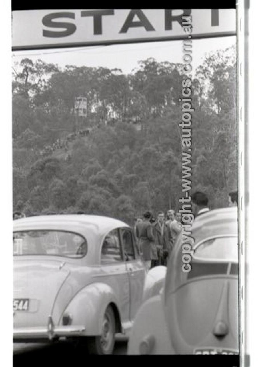 Rob Roy HillClimb 10th August 1958 - Photographer Peter D'Abbs - Code RR1658-128