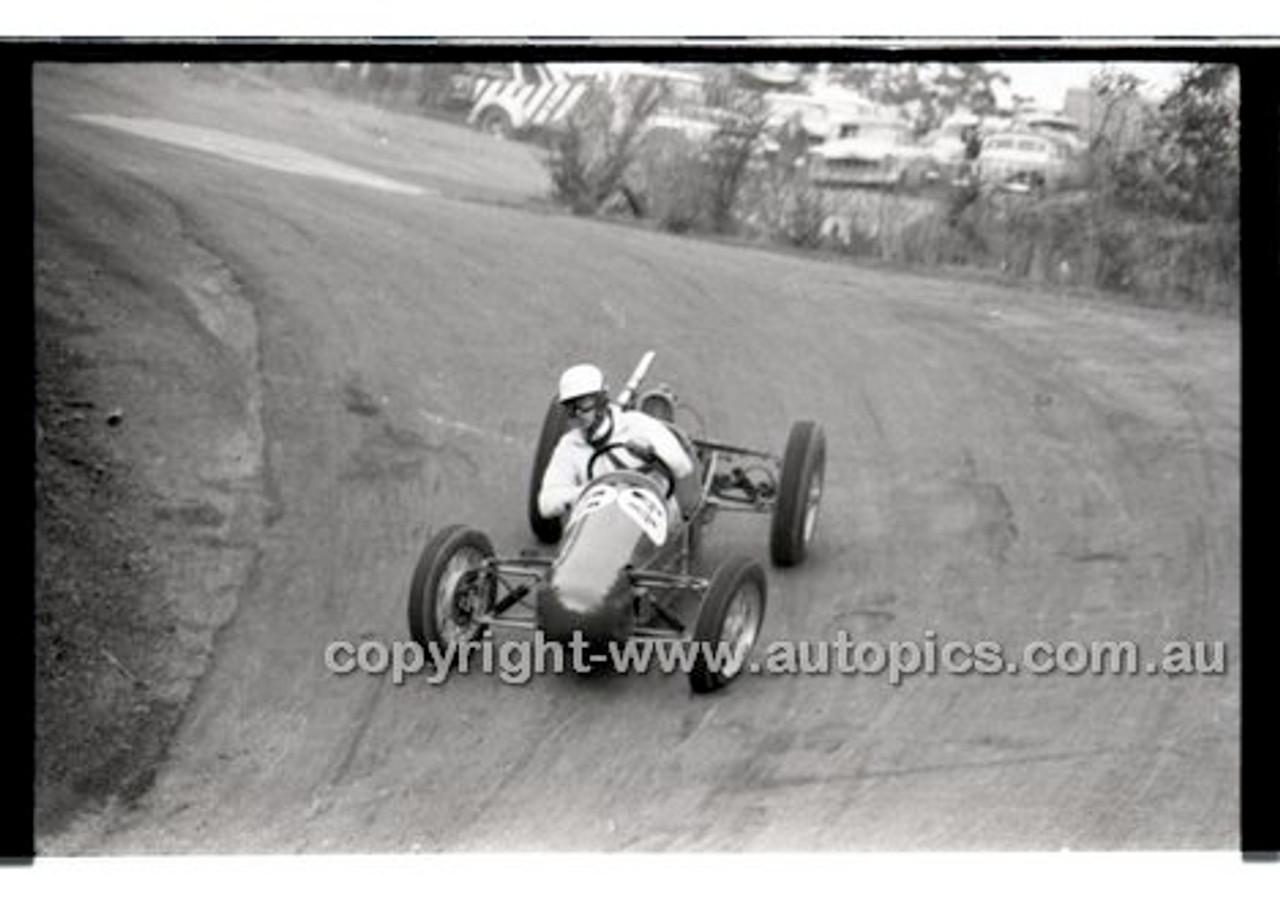 Rob Roy HillClimb 10th August 1958 - Photographer Peter D'Abbs - Code RR1658-135