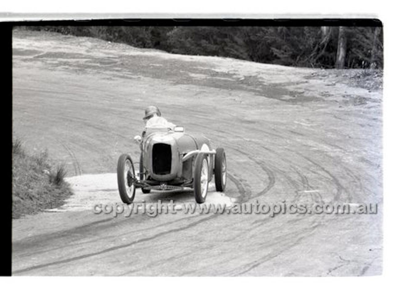 Rob Roy HillClimb 10th August 1958 - Photographer Peter D'Abbs - Code RR1658-148