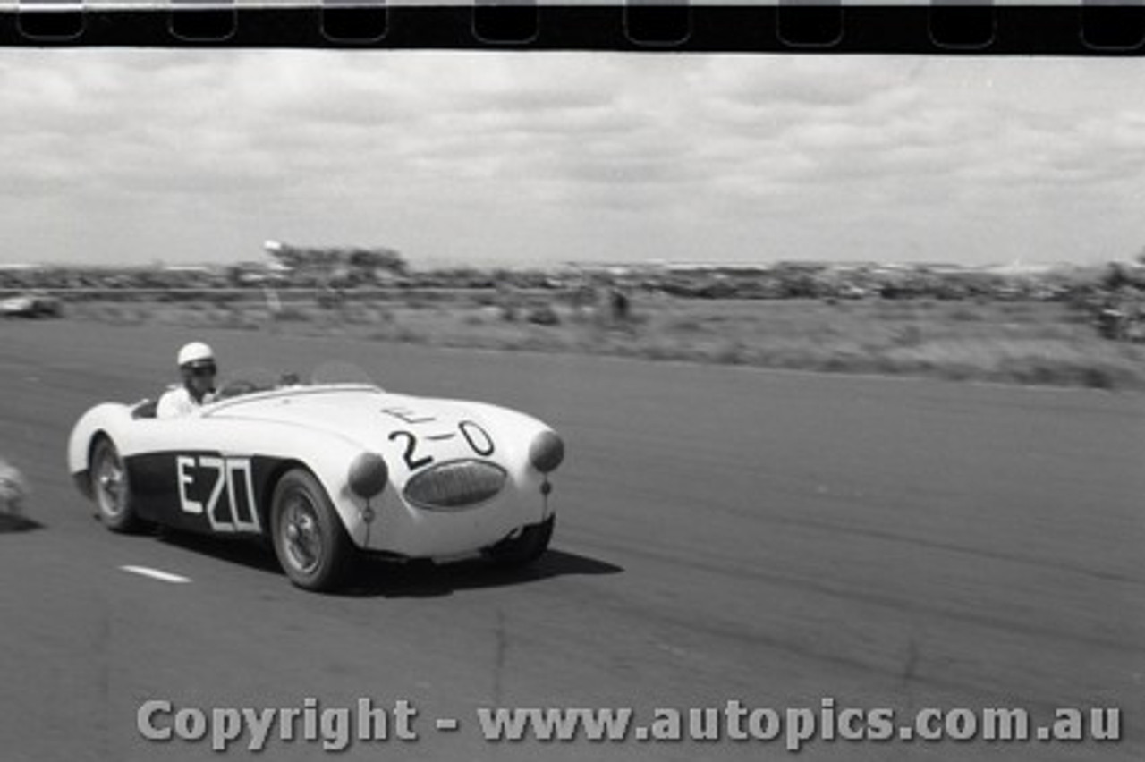 All of 1958 Fishermans Bend - Photographer Peter D'Abbs - Code FB1958-119
