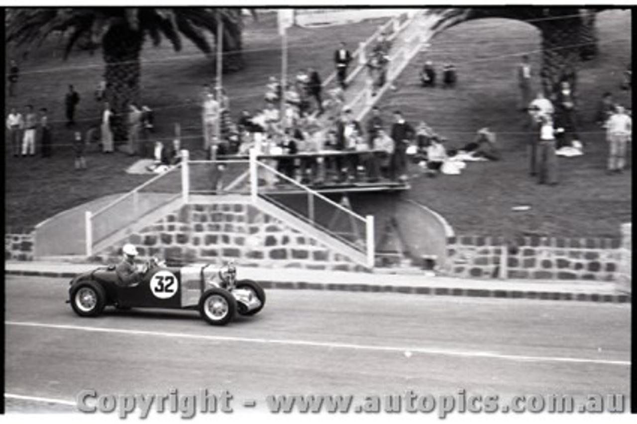 Geelong Sprints 23rd August 1959 -  Photographer Peter D'Abbs - Code G23859-3