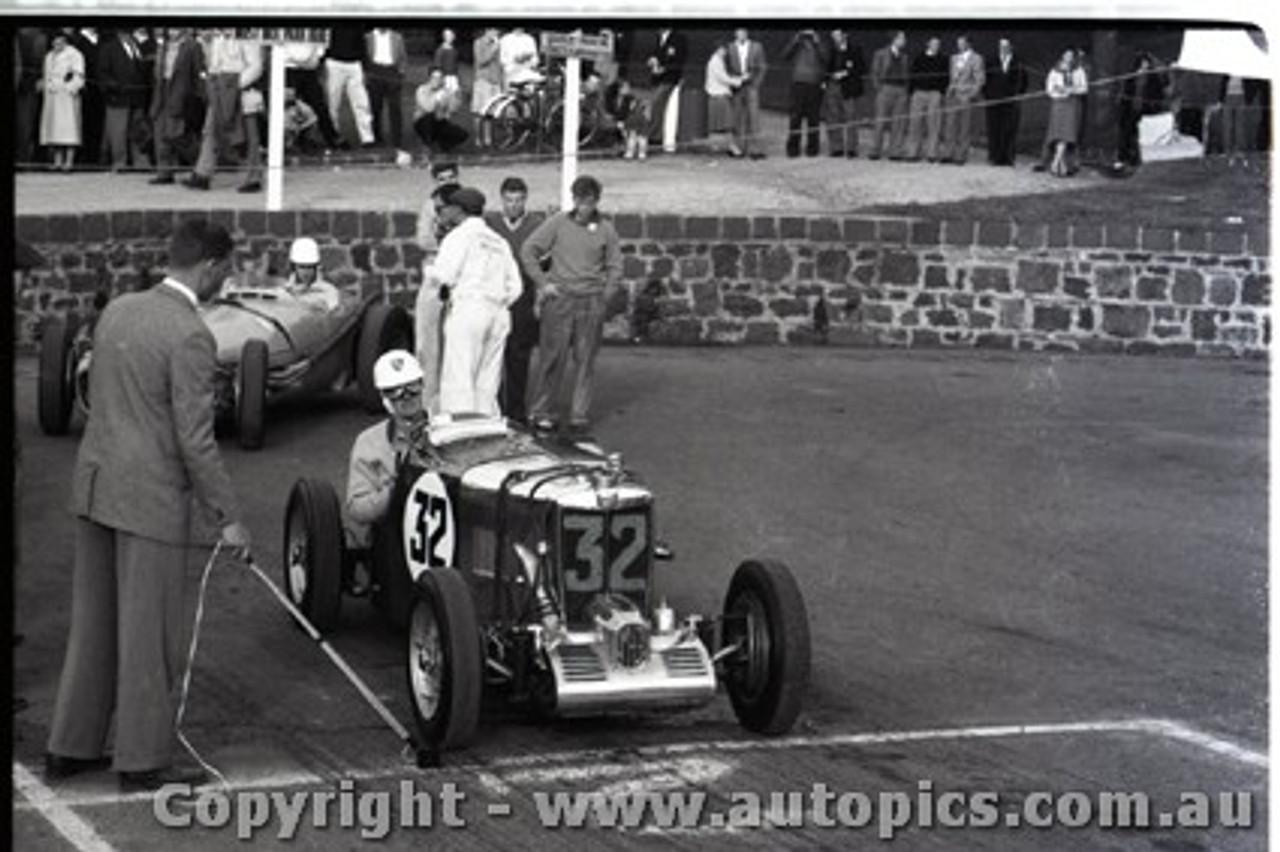 Geelong Sprints 23rd August 1959 -  Photographer Peter D'Abbs - Code G23859-18