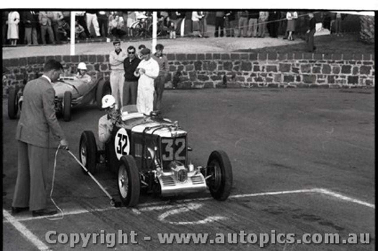 Geelong Sprints 23rd August 1959 -  Photographer Peter D'Abbs - Code G23859-19