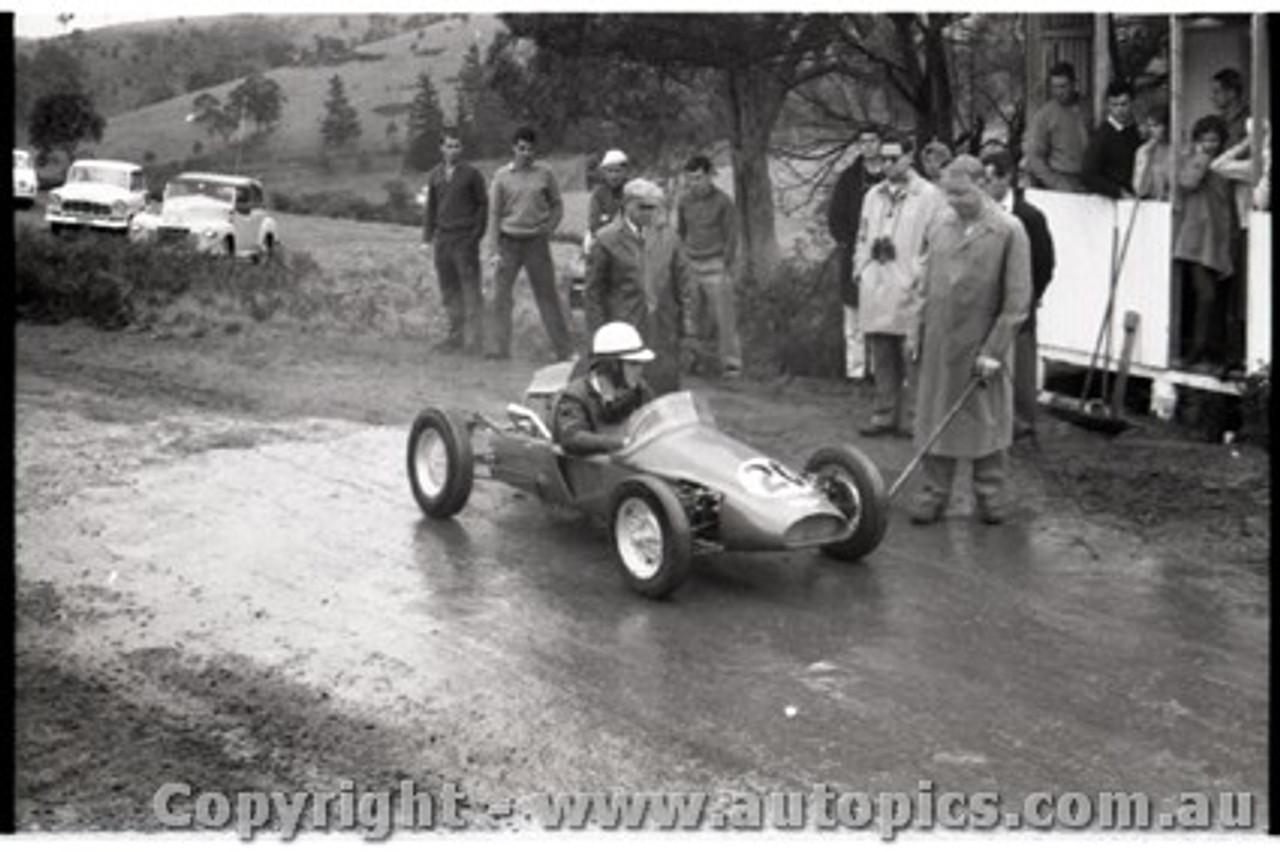 Geelong Sprints 23rd August 1959 -  Photographer Peter D'Abbs - Code G23859-26