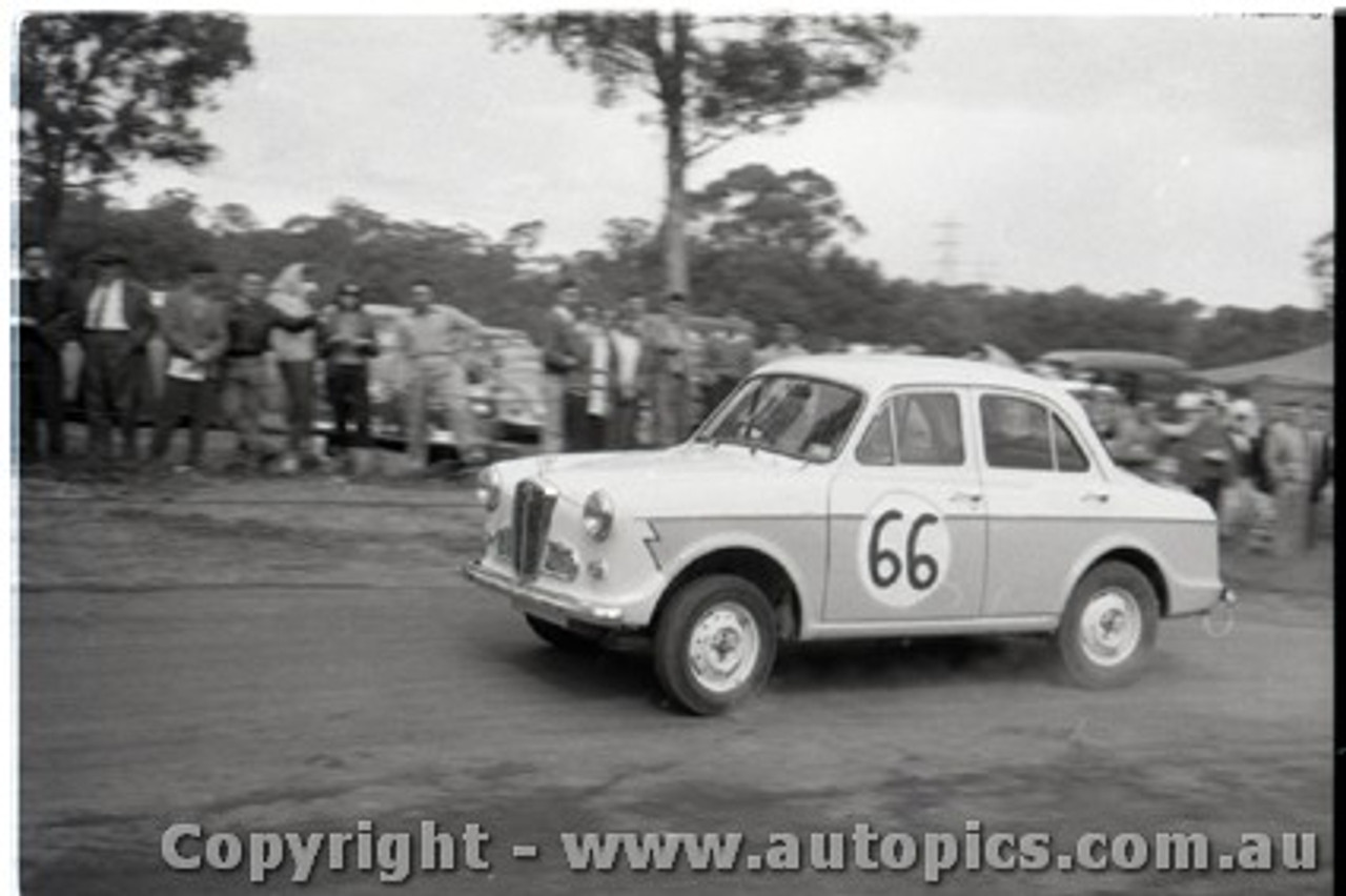 Geelong Sprints 23rd August 1959 -  Photographer Peter D'Abbs - Code G23859-100