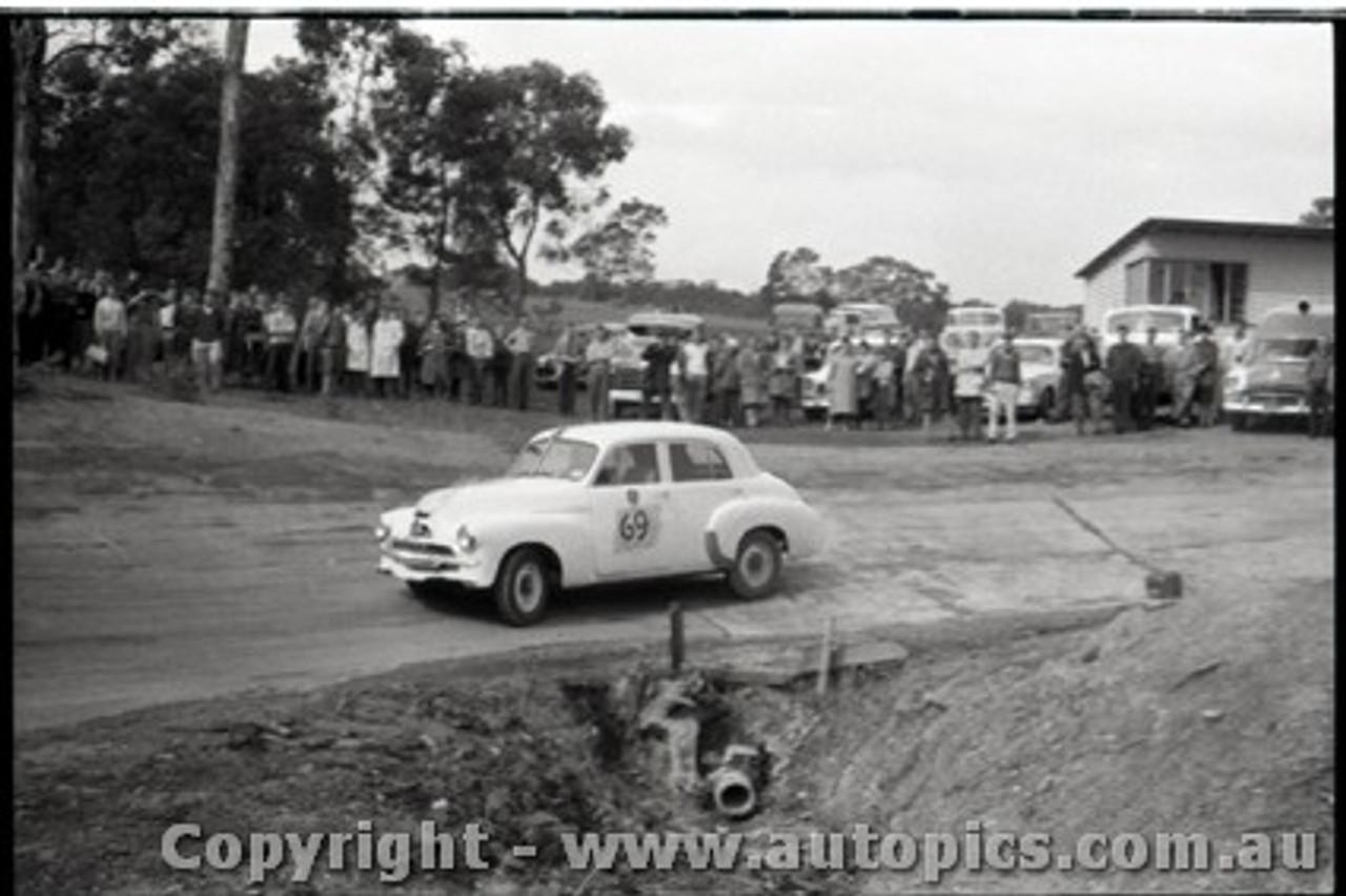 Geelong Sprints 23rd August 1959 -  Photographer Peter D'Abbs - Code G23859-101