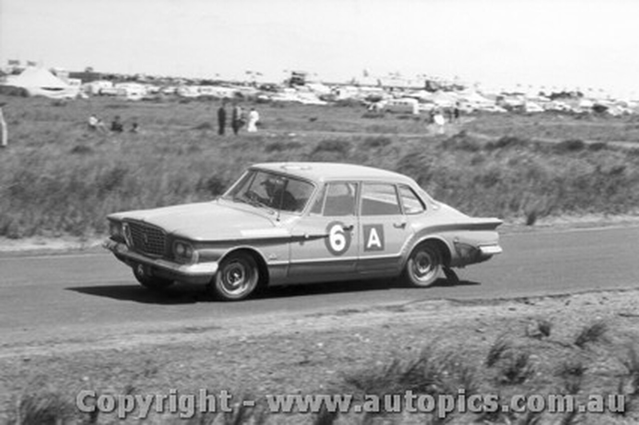 62708 - Hawthorn / Hibberd - Chrysler Valiant - Armstrong 500 - Phillip Island 1962