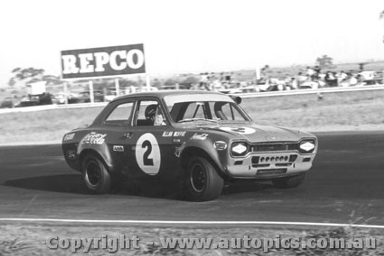 71040 - Allan Moffat Escort - Calder 1971