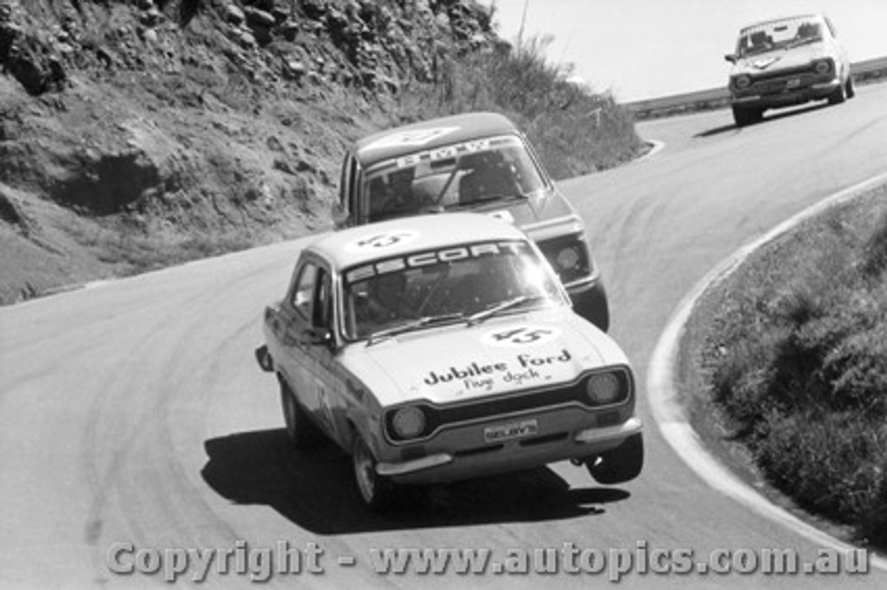 75738 - Brown / Ransom  Ford Escort RS2000  and Willimson / McDonald BMW 2002Tii - Bathurst 1975