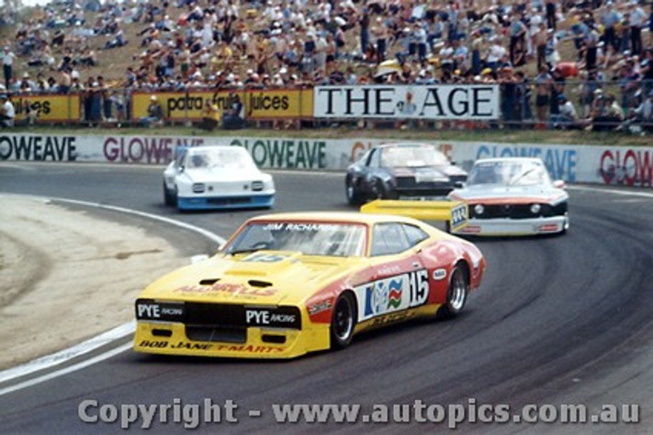 81009 - J. Richards Ford Falcon - T. Edmondson - Alfa Romeo - Calder 1981