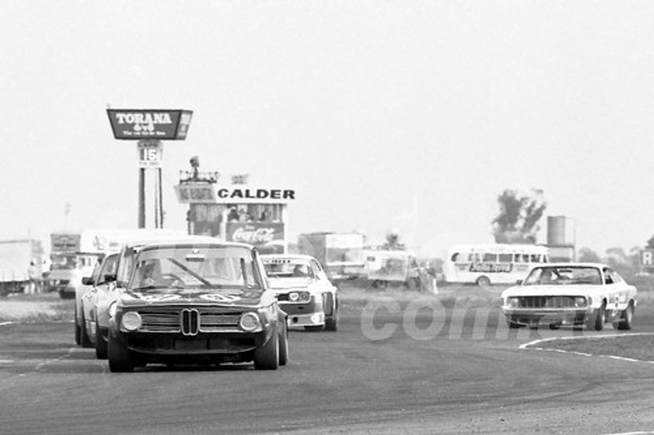 75140 - Lou Stoopman, BMW - Calder 1975 - Photographer Peter D'Abbs