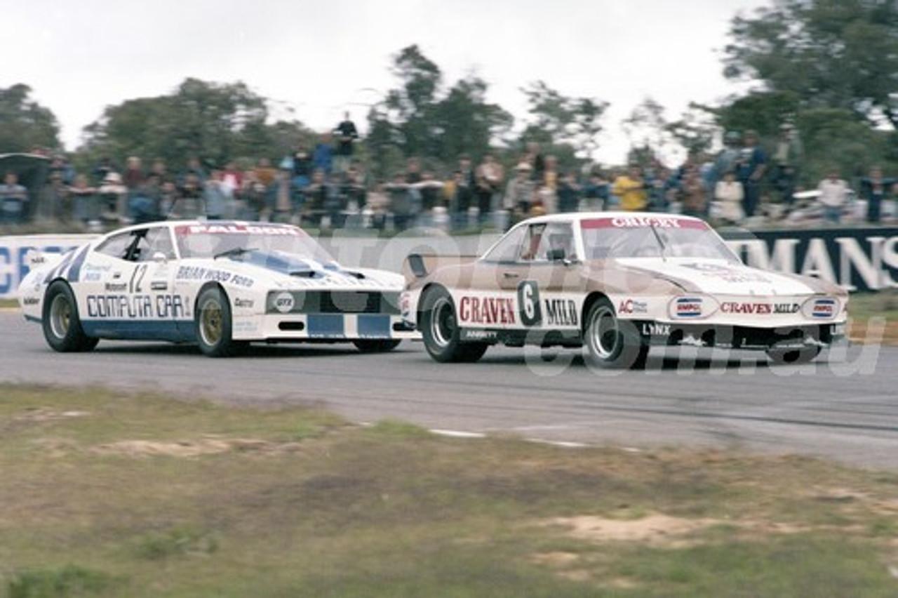 79115 - Allan Grice, Courvair & Jim Richards, Falcon  - Aust. Sports Sedan Championships.  Wanneroo 10th June 1979 - Photographer Tony Burton