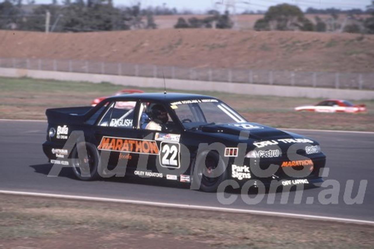 92060 - John English, VL Commodore SS - Eastern Creek 1992 - Photographer Ray Simpson