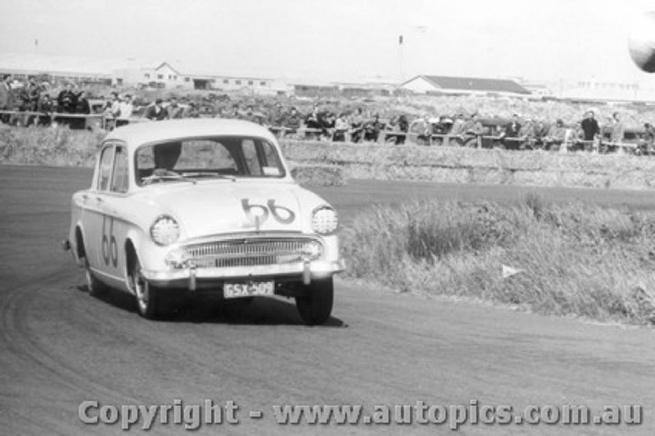 58008 - Harry Firth Hillman Minx  - Fishermen s Bend October 1958