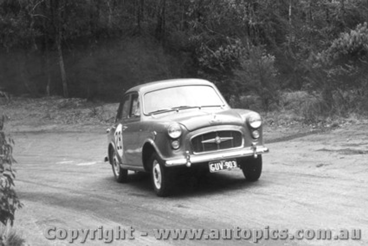58106 - P. Manton Morris Major -  Templestowe Hill Climb 1958