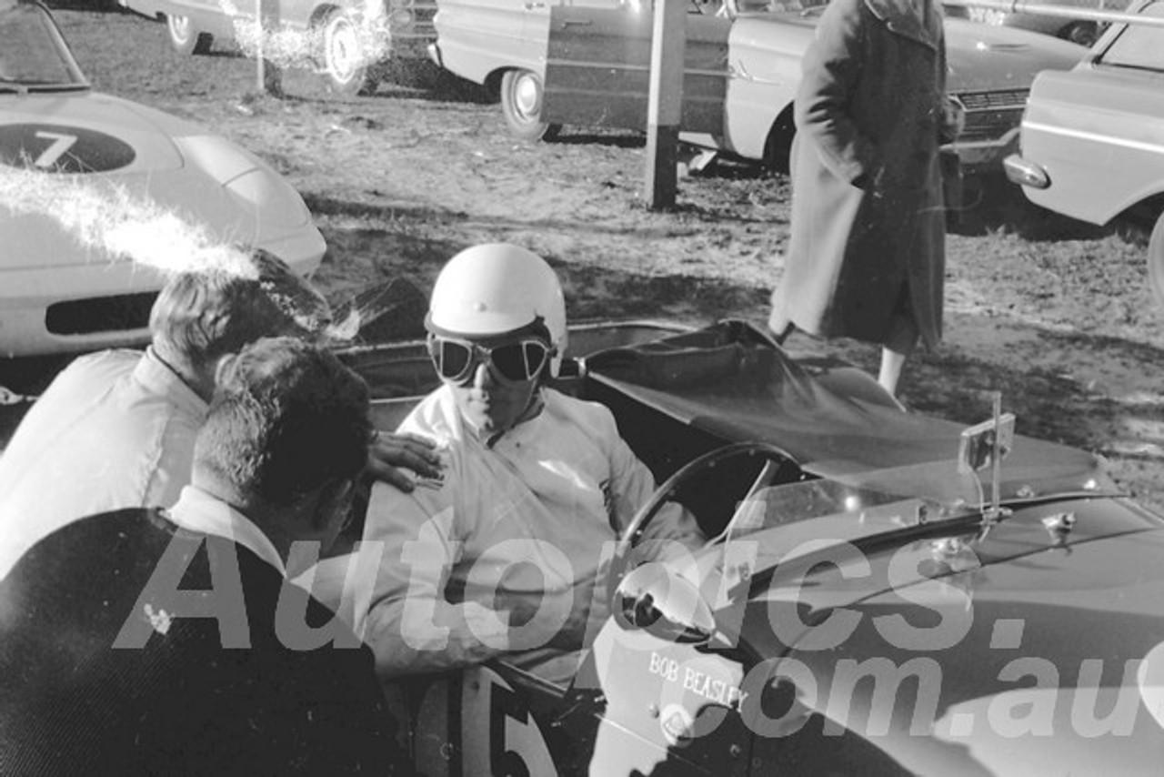 65314 - Bob Beasley, Lotus Super 7 - Warwick Farm 1963 - Paul Manton Collection