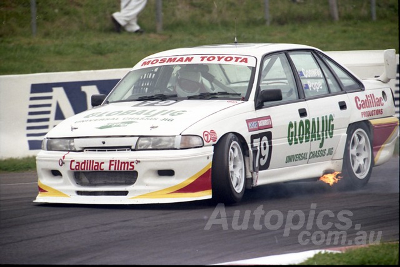 96837 - MIKE CONWAY / MILES POPE - Commodore VP - AMP Bathurst 1000 1996 - Photographer Marshall Cass