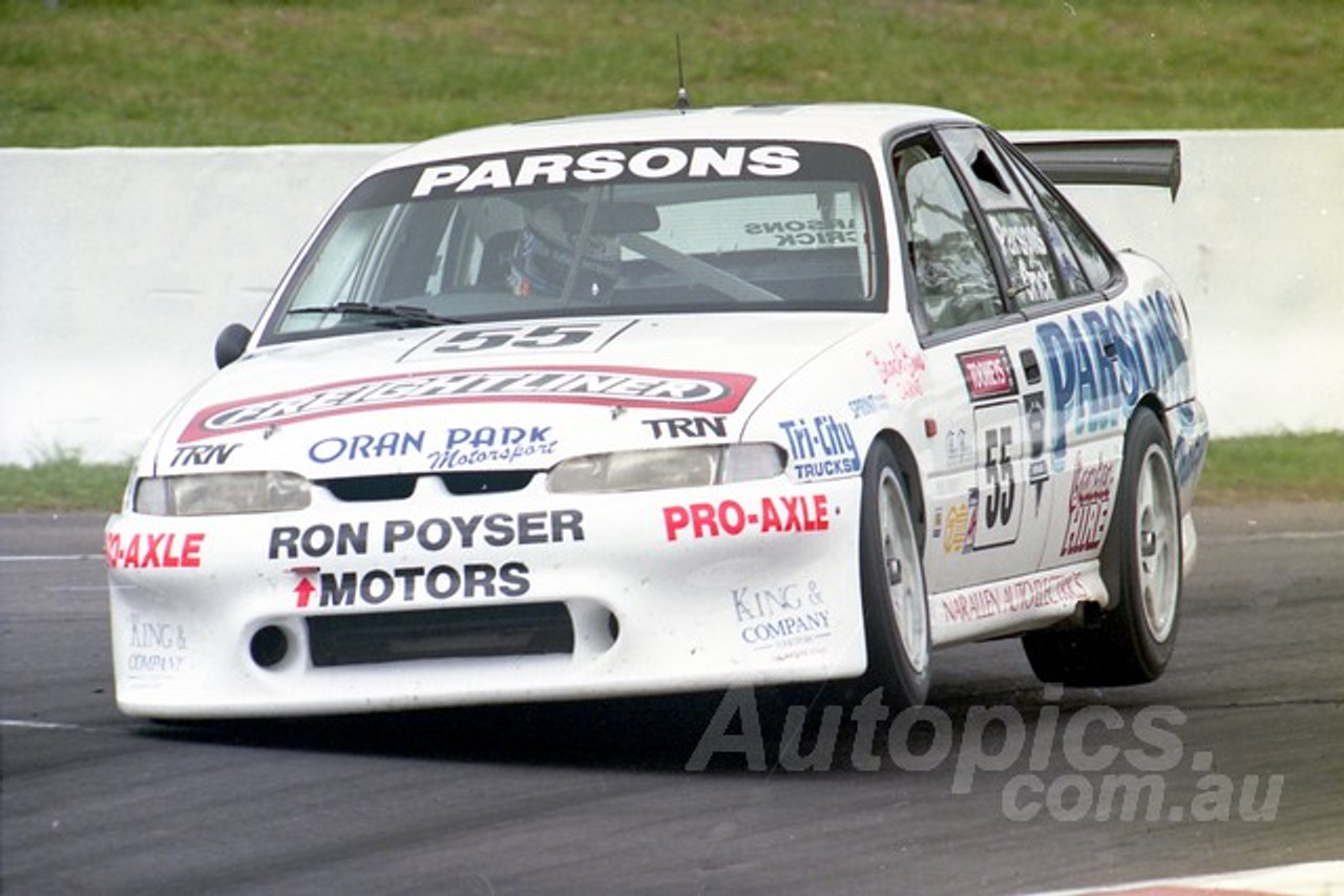 95818 - DAVID PARSONS / RODNEY CRICK -  COMMODORE VR -  Tooheys 1000 - Bathurst 1995 - Photographer Marshall Cass